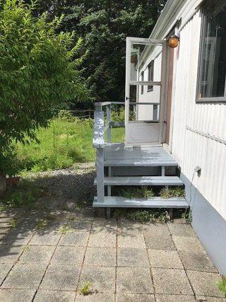 """Photo 3: 145 1830 MAMQUAM Road in Squamish: Garibaldi Estates Manufactured Home for sale in """"Timbertown"""" : MLS®# R2286884"""
