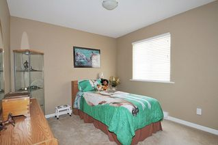 """Photo 14: 19826 SILVERTHORNE Place in Pitt Meadows: South Meadows House for sale in """"BONSON LANDING"""" : MLS®# R2287550"""