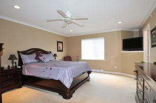 "Photo 10: 19826 SILVERTHORNE Place in Pitt Meadows: South Meadows House for sale in ""BONSON LANDING"" : MLS®# R2287550"