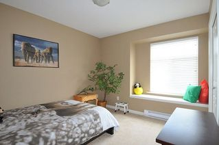 "Photo 16: 19826 SILVERTHORNE Place in Pitt Meadows: South Meadows House for sale in ""BONSON LANDING"" : MLS®# R2287550"