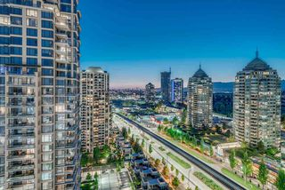 """Photo 2: 1910 2008 ROSSER Avenue in Burnaby: Brentwood Park Condo for sale in """"STRATUS-SOLO DISTRICT"""" (Burnaby North)  : MLS®# R2313474"""