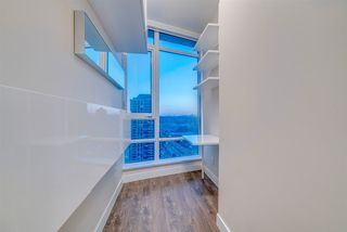"""Photo 10: 1910 2008 ROSSER Avenue in Burnaby: Brentwood Park Condo for sale in """"STRATUS-SOLO DISTRICT"""" (Burnaby North)  : MLS®# R2313474"""