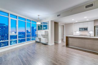 """Photo 5: 1910 2008 ROSSER Avenue in Burnaby: Brentwood Park Condo for sale in """"STRATUS-SOLO DISTRICT"""" (Burnaby North)  : MLS®# R2313474"""