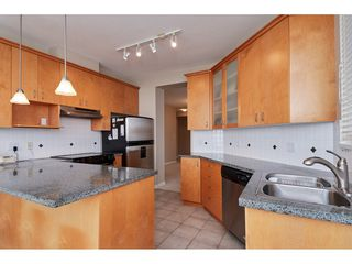 "Photo 3: 601 1551 FOSTER Street: White Rock Condo for sale in ""Sussex House"" (South Surrey White Rock)  : MLS®# R2312968"