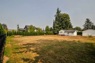 Photo 2: 4689 238 Street in Langley: Salmon River House for sale : MLS®# R2327028