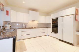 Photo 6: 1715 E 63RD Avenue in Vancouver: Fraserview VE House for sale (Vancouver East)  : MLS®# R2328577