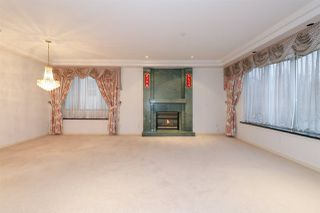 Photo 4: 1715 E 63RD Avenue in Vancouver: Fraserview VE House for sale (Vancouver East)  : MLS®# R2328577