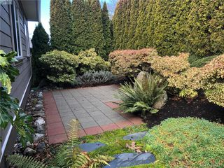 Photo 30: 860 Rainbow Cres in VICTORIA: SE High Quadra Single Family Detached for sale (Saanich East)  : MLS®# 804303