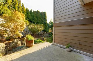 Photo 29: 860 Rainbow Cres in VICTORIA: SE High Quadra Single Family Detached for sale (Saanich East)  : MLS®# 804303