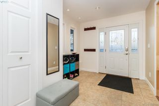 Photo 3: 3934 Mimosa Place in VICTORIA: SW Marigold Single Family Detached for sale (Saanich West)  : MLS®# 405584