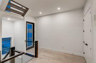 Photo 3: 9325 75 Avenue in Edmonton: Zone 17 House for sale : MLS®# E4148282
