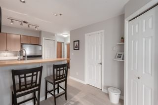 """Photo 4: 1104 680 CLARKSON Street in New Westminster: Downtown NW Condo for sale in """"The Clarkson"""" : MLS®# R2357294"""