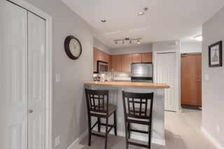 """Photo 5: 1104 680 CLARKSON Street in New Westminster: Downtown NW Condo for sale in """"The Clarkson"""" : MLS®# R2357294"""