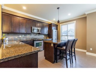 """Photo 3: 34 19560 68 Avenue in Surrey: Clayton Townhouse for sale in """"SOLANA"""" (Cloverdale)  : MLS®# R2357431"""