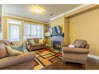 """Photo 6: 34 19560 68 Avenue in Surrey: Clayton Townhouse for sale in """"SOLANA"""" (Cloverdale)  : MLS®# R2357431"""