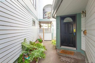 Photo 2: 1724 Leighton Road in VICTORIA: Vi Jubilee Row/Townhouse for sale (Victoria)  : MLS®# 408758