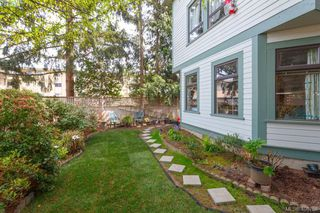 Photo 19: 1724 Leighton Road in VICTORIA: Vi Jubilee Row/Townhouse for sale (Victoria)  : MLS®# 408758