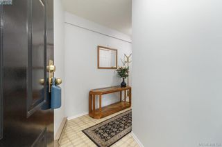 Photo 3: 1724 Leighton Road in VICTORIA: Vi Jubilee Row/Townhouse for sale (Victoria)  : MLS®# 408758