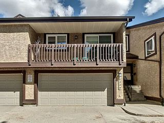 Main Photo: 4339 Riverbend Road in Edmonton: Zone 14 Townhouse for sale : MLS®# E4154121