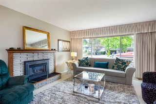 "Photo 2: 315 SEAVIEW Drive in Port Moody: College Park PM House for sale in ""COLLEGE PARK"" : MLS®# R2366932"