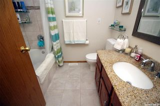 Photo 9: 607 CANDLE Way in Saskatoon: Lawson Heights Residential for sale : MLS®# SK771563