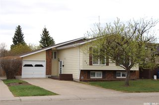 Main Photo: 607 CANDLE Way in Saskatoon: Lawson Heights Residential for sale : MLS®# SK771563