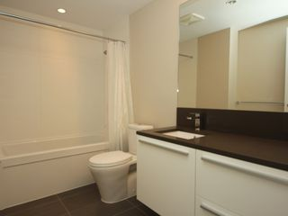 "Photo 11: 4308 4485 SKYLINE Drive in Burnaby: Brentwood Park Condo for sale in ""SOLO"" (Burnaby North)  : MLS®# R2376280"