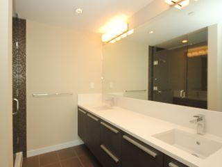 "Photo 10: 4308 4485 SKYLINE Drive in Burnaby: Brentwood Park Condo for sale in ""SOLO"" (Burnaby North)  : MLS®# R2376280"