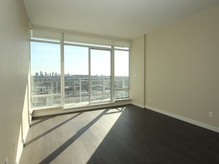 "Photo 2: 4308 4485 SKYLINE Drive in Burnaby: Brentwood Park Condo for sale in ""SOLO"" (Burnaby North)  : MLS®# R2376280"