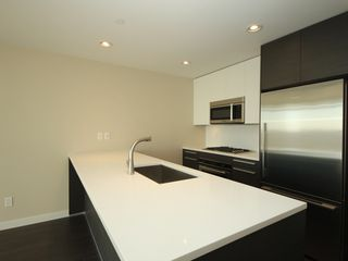 "Photo 6: 4308 4485 SKYLINE Drive in Burnaby: Brentwood Park Condo for sale in ""SOLO"" (Burnaby North)  : MLS®# R2376280"