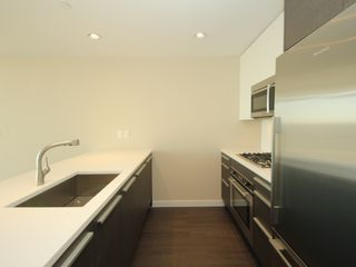 "Photo 7: 4308 4485 SKYLINE Drive in Burnaby: Brentwood Park Condo for sale in ""SOLO"" (Burnaby North)  : MLS®# R2376280"
