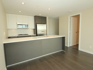 "Photo 4: 4308 4485 SKYLINE Drive in Burnaby: Brentwood Park Condo for sale in ""SOLO"" (Burnaby North)  : MLS®# R2376280"