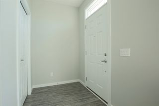 Photo 3: 2625 Maple Way in Edmonton: Zone 30 Attached Home for sale : MLS®# E4174423