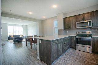 Photo 8: 2625 Maple Way in Edmonton: Zone 30 Attached Home for sale : MLS®# E4174423