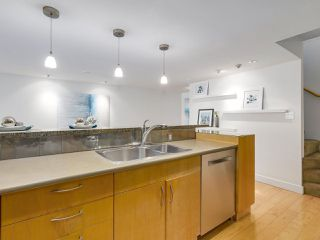 Photo 12: 2411 W 1ST AVENUE in Vancouver: Kitsilano Townhouse for sale (Vancouver West)  : MLS®# R2191405
