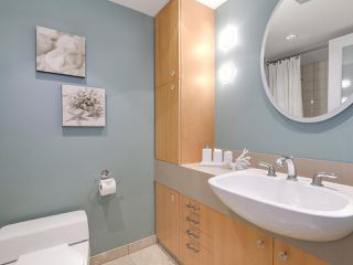 Photo 19: 2411 W 1ST AVENUE in Vancouver: Kitsilano Townhouse for sale (Vancouver West)  : MLS®# R2191405