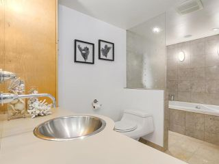 Photo 15: 2411 W 1ST AVENUE in Vancouver: Kitsilano Townhouse for sale (Vancouver West)  : MLS®# R2191405