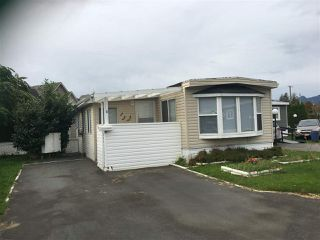 """Photo 1: 8 1884 HEATH Road: Agassiz Manufactured Home for sale in """"Heath Court"""" : MLS®# R2440662"""
