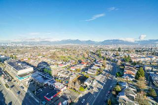 Photo 8: 2302 4815 ELDORADO MEWS in Vancouver: Collingwood VE Condo for sale (Vancouver East)  : MLS®# R2427247