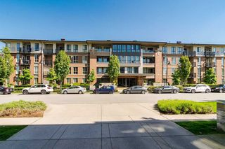 """Photo 2: 111 3107 WINDSOR Gate in Coquitlam: New Horizons Condo for sale in """"Bradley House at Windsor Gate"""" : MLS®# R2461759"""