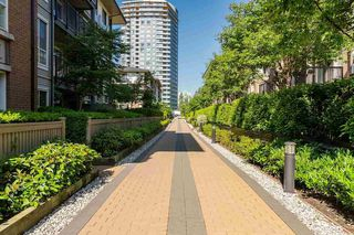 """Photo 19: 111 3107 WINDSOR Gate in Coquitlam: New Horizons Condo for sale in """"Bradley House at Windsor Gate"""" : MLS®# R2461759"""