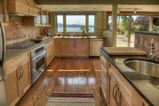 Photo 2: 645 Towner Park Rd in North Saanich: NS Deep Cove House for sale : MLS®# 370902