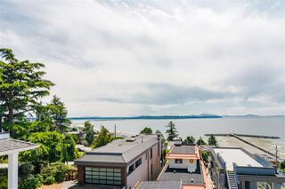 "Photo 24: 15090 BEACHVIEW Avenue: White Rock House for sale in ""White Rock Beach Hillside"" (South Surrey White Rock)  : MLS®# R2472684"