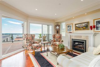 "Photo 13: 15090 BEACHVIEW Avenue: White Rock House for sale in ""White Rock Beach Hillside"" (South Surrey White Rock)  : MLS®# R2472684"