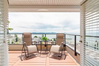 "Photo 23: 15090 BEACHVIEW Avenue: White Rock House for sale in ""White Rock Beach Hillside"" (South Surrey White Rock)  : MLS®# R2472684"