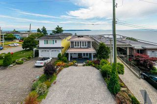 "Photo 2: 15090 BEACHVIEW Avenue: White Rock House for sale in ""White Rock Beach Hillside"" (South Surrey White Rock)  : MLS®# R2472684"