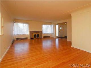 Photo 4: 2034 Haultain Street in VICTORIA: OB Henderson Single Family Detached for sale (Oak Bay)  : MLS®# 292042