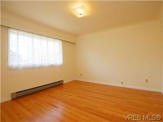 Photo 8: 2034 Haultain Street in VICTORIA: OB Henderson Single Family Detached for sale (Oak Bay)  : MLS®# 292042