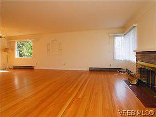 Photo 2: 2034 Haultain Street in VICTORIA: OB Henderson Single Family Detached for sale (Oak Bay)  : MLS®# 292042