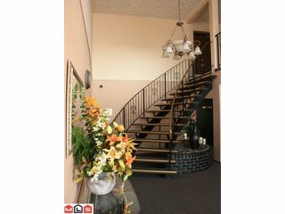 """Photo 3: 107 32025 TIMS Avenue in Abbotsford: Abbotsford West Condo for sale in """"ELMWOOD MANOR"""" : MLS®# F1200972"""